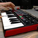 AKAI Professional MPK Mini MK2 - Clavier Maître MIDI/USB 25 Touches Sensibles à la Vélocité avec 8 Pads et Joystick 4 Voies + VIP 3 et Pack de Logiciels Inclus - Noir de la marque AKAI Pro image 4 produit