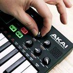 Akai Professional Mpk Mini Play – Clavier Maître MIDI/USB avec Haut-Parleurs Intégrés, Pads MPC, Effets Intégrés, 128 Instruments, 10 Sons De Batterie et Suite De Logiciels Incluse de la marque AKAI Pro image 3 produit