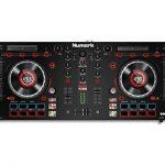 """Numark Mixtrack Platinum - Contrôleur DJ 4 voies, LCD, Jog Wheels Tactiles en Métal 5"""", Barre Tactile Multifunction, Interface Audio 24-bit, Plus Serato DJ Intro et Remix ToolKit de Prime Loops Inclus de la marque Numark image 1 produit"""
